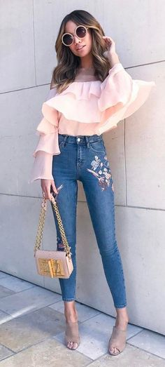 amazing outfit: blouse + printed jeans + bag