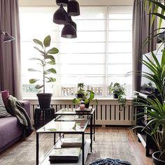 De VITTSJÖ bijzettafel bij @bij_urs_thuis | #IKEABijMijThuis IKEA IKEAnederland IKEAnl woonkamer industrieel inspiratie wooninspiratie groen interieur