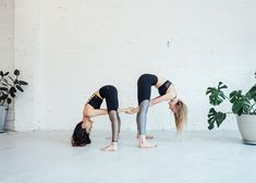 6 Partner Yoga Moves Anyone Can Do juja-active-partner-yoga-flow Two People Yoga Poses, Yoga Poses For Two, Partner Yoga Poses, Kids Yoga Poses, Cool Yoga Poses, Yoga Poses For Beginners, Yoga For Kids, 2 Person Yoga Poses, Partner Stretches