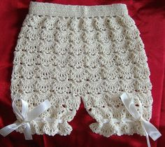 Croche pro Drink: Little dresses found the net, pure inspiration . Crochet Baby Pants, Crochet Baby Dress Pattern, Crochet Bebe, Baby Girl Crochet, Crochet For Kids, Crochet Clothes, Knit Crochet, Crochet Patterns, Baby Romper Pattern