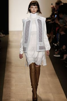 BCBG Max Azria - Fall 2015 Ready-to-Wear - Look 4 of 31