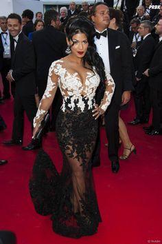 Ayem Nour en robe transparente sur le tapis rouge du Festival de Cannes, le 16 mai 2014