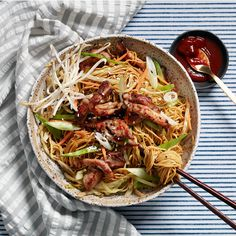 Stir-fried dishes like chicken chow mein cook very quickly over high heat. The key is to have all your ingredients ready before you begin cooking. This version of chicken chow mein has less than 300 … Easy Chicken Recipes, Asian Recipes, Ethnic Recipes, Chinese Recipes, Quick Recipes, Best Chicken Chow Mein Recipe, Stir Fry Recipes, Cooking Recipes, Beef Recipes