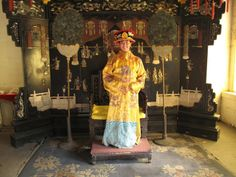 King's costumes in China