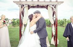 First kiss | Vintage wedding photography | www.newvintagemedia.ca | Mastronardi Estate Winery
