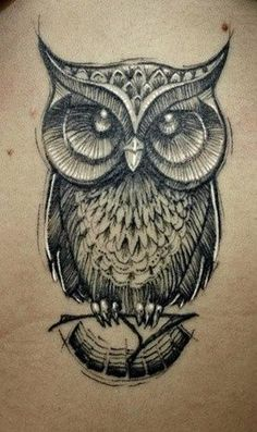 Tattoo de Buho, un reloj de arena y nos vamos
