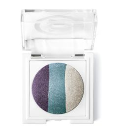 Mary Kay At Play® Baked Eye Trio in Purple Eclipse. Three vibrant eye shades are expertly coordinated in perfect harmony so you can mix and match easily for endless looks! Mary Kay Foundation, Foundation Colors, Mary Kay Makeup Remover, Mary Kay Colombia, At Play Mary Kay, Maquillage Mary Kay, Firming Eye Cream, Mary Kay Cosmetics, Use E Abuse