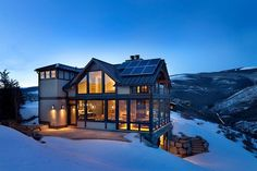 Gorgeous Colorado vacation home surrounded by snow covered slopes Modern Colorado Vacation Home with Enthralling Mountain Views