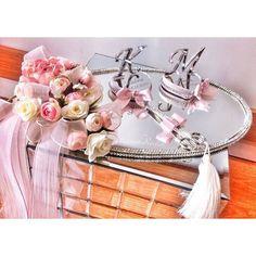 Wedding Crafts, Instagram Accounts, Platter, Wedding Rings, Baby, Baby Humor, Infant, Babies, Wedding Ring