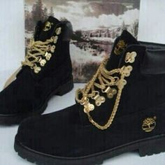 FLAT OUT ! did not believe these existed, gorgeous! - Black Timberlands