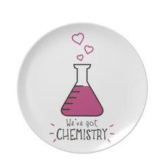 Tenemos química plato para fiesta