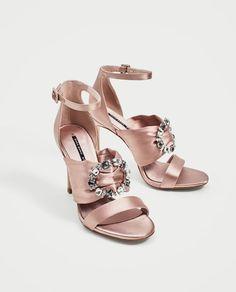 Sandales À Talons, Chaussures Femme, Besoin, Talons Aiguille, Talons Hauts,  Talons 53d539960424