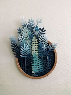 In her ongoing series titled Vegetal Gradient, Sonia Poli - a Lille, France-based graphic designer and illustrator - creates fabulous paper cutting forest illustrations. Diy Paper, Paper Crafts, Diy Crafts, Foam Crafts, Decor Crafts, Papier Diy, Paper Embroidery, Embroidery Ideas, Watercolor Paper