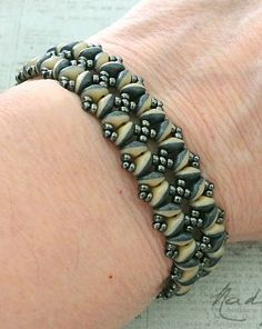 Linda's Crafty Inspirations: Bracelet of the Day: Bandwidth Bracelet - Navy & Ivory