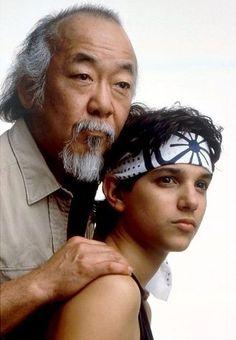 The Karate Kid Pat Morita (Mr. Miyagi) and Ralph Macchio Karate Kid Costume, The Karate Kid 1984, Karate Kid Movie, Karate Kid Cobra Kai, Teen Movies, Good Movies, Awesome Movies, Martial Arts Club, 2560x1440 Wallpaper