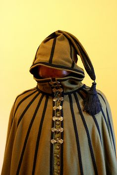 16th c Spanish travelling cloak --authentic reproduction of a travelling cloak pattern in a facsimile reprint edition of Juan de Alcega's tailor's pattern book from 1589.
