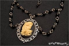 New Victorian-Goth-Lady Amulet  necklace locket setting