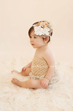 I despearatly want this for Kaia's 6 mos. pics coming up... Can anybody make this? :)