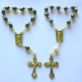 One Decade rosaries, single decade rosary beads and Hand-held Rosaries all depicting the blessed virgin mary and the apparitions. A large selection contain Lourdes holy water Rosary Bracelet, Rosary Beads, One Decade, Water Drawing, Our Lady Of Lourdes, Beaded Necklace, Beaded Bracelets, Rosaries, Silver