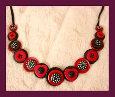 Star Shaped and Shiny: How To Make A Vintage Button Necklace