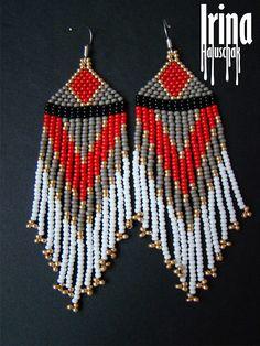 Native american style beaded earrings Seed bead earrings Red and grey bead earrings Ethnic earrings Dangle earrings Fringe earrings Folk - Beads - Accessoires Beaded Earrings Patterns, Seed Bead Earrings, Fringe Earrings, Diy Earrings, Beading Patterns, Earrings Handmade, Seed Beads, Black Earrings, Hoop Earrings