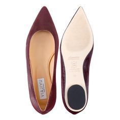 [COMO] Pointed-Toe Flat: Garnet Varanus Suede, Handmade in Italy. Inspired by the elegant women of northern Italy, VIAJIYU's pointed-toe flat is sleek, sophisticated and lady-like. This flat is made from the finest garnet varanus suede. Email VIAJIYU and design your dream shoes! #VIAJIYU #COMO #comogarnet #comovaranus #garnet #burgundy #classic #classicshoes #pointed #flats #shoes #flatshoes #nohighheels #madeinitaly #madetoorder #shoelove