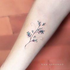 © Ana Abrahão (@abrahaoana) on Instagram: R A M I N H O. Plantinha simpática e quase natalina, mas na época do Natal o que não é natalino? Plantinha de livre espécie, raminho que se adapta assim como nós! Feito em Goiânia no Meow Tattoo!❤️ #tattoo #tatuagemfeminina #ink #tattooist #art #fineart #natal #anaabrahao #inspiration