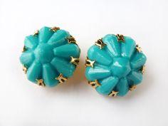 1950s 1960s Vintage Aqua Atomic Style Cluster Earrings #plastic #jewellery #jewelry #midcentury #50s #60s #lemonkitscharms