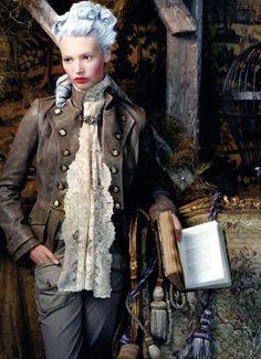 autumnal mood//    Mona Johannesson (1986-), Retrato de una Dama (Portrait of a Lady).Vogue SP October 2006.Photographied by Juan Gatti (1950-).