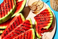 Grilled Watermelon with Chamomile-Cocoa Salt No Salt Recipes, Fruit Recipes, Wine Recipes, Dessert Recipes, Pickled Watermelon Rind, Grilled Watermelon, Smoking Recipes, Fruit Dishes, Summer Snacks