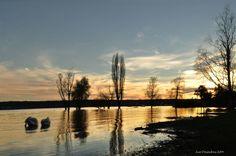 Un tramonto sul lago