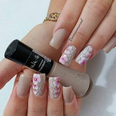 Nails today Nail Polish Designs, Nail Art Designs, Nails Today, Best Acrylic Nails, Silver Nails, Short Nail Designs, Flower Nail Art, Homecoming Nails, Beautiful Nail Designs
