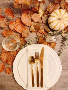 Different table setting options for thanksgiving Setting Option, Styling A Buffet, Thanksgiving Table Settings, Large Plates, Pastel, Tableware, Blog, Cake, Dinnerware