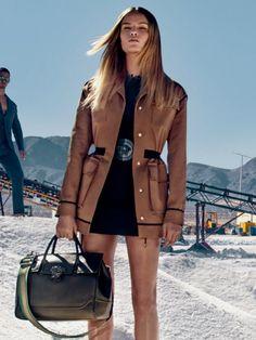 That bag!!! Versace luv luv luvvvv!