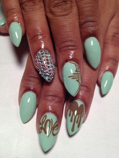 NAIL ART / NAIL DESIGNS / STILETTO NAILS / ACRYLIC NAILS / RHINESTONES / OVAL NAILS