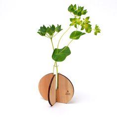 wooden vase laser cut in japanese cedar thinning of Japan designed by Yuko Noguchi