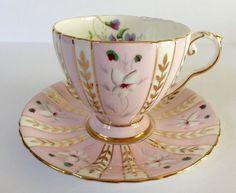 Beautiful Pink Royal Grafton Tea cup and Saucer Cup And Saucer Set, Tea Cup Saucer, Meneses, Turkish Coffee Cups, China Tea Cups, Tea Art, My Cup Of Tea, Chocolate Coffee, China Porcelain