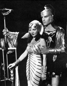 Sigmund Freud, Hollywood Actor, Classic Hollywood, The Bible Movie, Pin Up Girl Vintage, Vintage Style, Claudette Colbert, Egyptian Costume, Star Wars