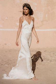10184335a Mila De Wit-Bourke wears Spell Designs Odette Slip Dress Vestidos De Novia  Bohemios