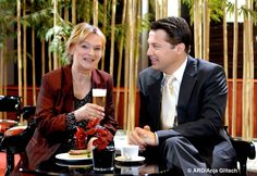 """Elke Heidenreich zu Gast in ihrer Lieblingsserie """"Verbotene Liebe""""  #ElkeHeidenreich #VerboteneLiebe"""