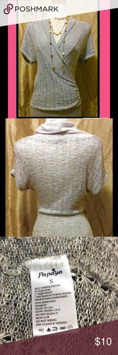 💖Papaya Short Sleeve Sweater Top💖 Papaya oatmeal short sleeve sweater. Size Small. Pre-owned. Necklace not included. Papaya Sweaters V-Necks