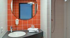 Badezimmer im B&B Hotel Aschaffenburg