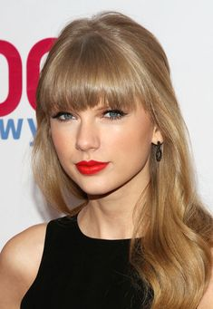 Celebrity Beauty Looks: Bright Lipstick