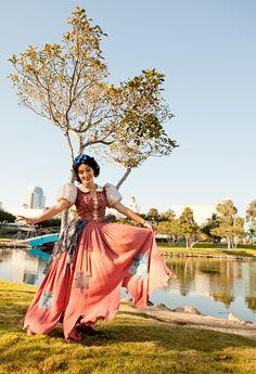 Amazing Snow White cosplay!
