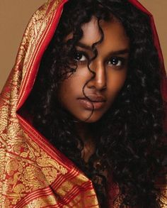 Dark skin is beautiful African Beauty, Indian Beauty, Pretty People, Beautiful People, Curly Hair Styles, Natural Hair Styles, Updo Curly, Natural Beauty, Poses References