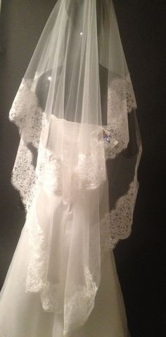 Wonderful lace wedding veil lace veil. Ivory veil by LuxuriaFata