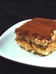Tiramisu  (j'ajoute 2 cuillères à soupe de Marsala amande au café, indispensable à mon avis)