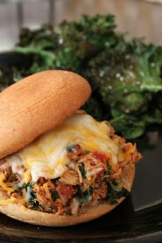 An Italian Pulled Chicken Burger Idea. For the first time in a loong time The husband, the 7 year old AND the 1 year old agreed with me! Think Food, I Love Food, Good Food, Yummy Food, Tasty, Great Recipes, Dinner Recipes, Favorite Recipes, Yummy Recipes