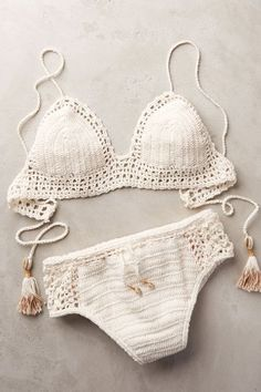 Top Crochet Bikini Pattern Free Easy Bathing Suits - Ruffle Blouses are super feminine and simple to style for an official occasion or for only a Motif Bikini Crochet, Crotchet Swimsuit, Crochet Bathing Suits, Mode Boho, Swimsuits, Swimwear, Beachwear, Crochet Clothes, Crochet Hair