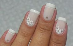flores 23 Ideas for manicure francesa flores 23 French Manicure Flower Ideas Diy Nails, Cute Nails, Pretty Nails, Bride Nails, Flower Nails, French Nails, Manicure And Pedicure, Nails Inspiration, Beauty Nails